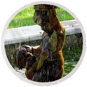 Fountain Cherubs Round Beach Towel