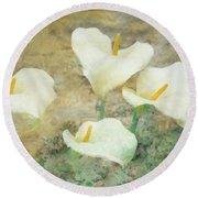 Four Lilies Round Beach Towel