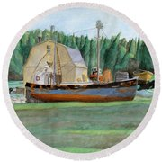 Freeport Fishing Boat Round Beach Towel