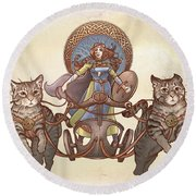 Freya And Her Cat Chariot-garbed Version Round Beach Towel