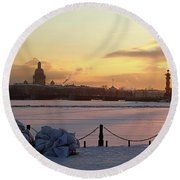 Frosty Evening In The City On The River Round Beach Towel