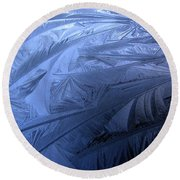 Frosty Palm Tree Fronds On Car Trunk Round Beach Towel