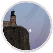 Full Moon Over Split Rock Round Beach Towel