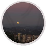 Full Moon Rising From The East Round Beach Towel
