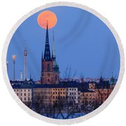 Full Moon Rising Over Gamla Stan In Stockholm Round Beach Towel