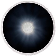 Full Moon With Glowing Halo Round Beach Towel