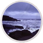 Gale Winds At Nubble Light Round Beach Towel