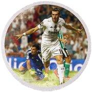 Gareth Bale Celebrates His Goal  Round Beach Towel