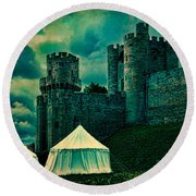 Gate Tower At Warwick Castle Round Beach Towel
