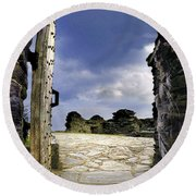 Gateway To The Castle  Round Beach Towel