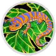 Gecko Hanging On Round Beach Towel