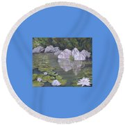 Gentle May Day Round Beach Towel
