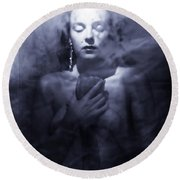Ghost Woman Round Beach Towel