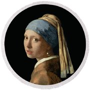 Girl With A Pearl Earring Round Beach Towel by Jan Vermeer