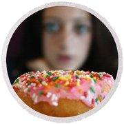 Girl With Doughnut Round Beach Towel by Linda Woods