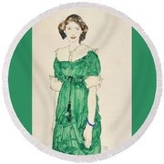 Girl With Green Dress Round Beach Towel