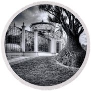 Glasshouse And Tree Round Beach Towel