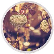 Golden Christmas Hearts Round Beach Towel