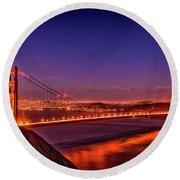 Golden Gate At Dusk Round Beach Towel
