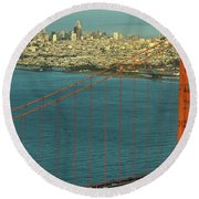 Golden Gate Bridge And San Francisco Skyline Round Beach Towel