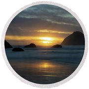 Golden Hour At Face Rock Round Beach Towel