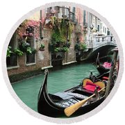 Gondola By The Restaurant Round Beach Towel