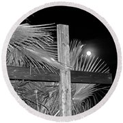 Good  Friday  In  Black  And  White Round Beach Towel