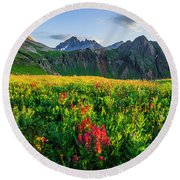 Governor's Basin In Bloom Round Beach Towel