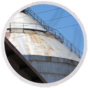 Grain Silo In Roswell Round Beach Towel