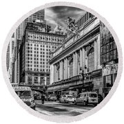 Grand Central At 42nd St - Mono Round Beach Towel