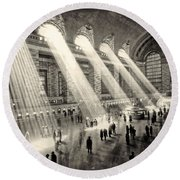 Grand Central Terminal, New York In The Thirties Round Beach Towel