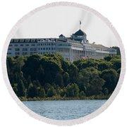 Grand Hotel On Mackinac Island Round Beach Towel