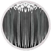Grayscale Swollen Icicles Round Beach Towel