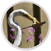 Great Egret With Lizard Who Is Holding Onto Wood Round Beach Towel