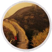 Great Wall In The Mist Round Beach Towel