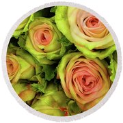 Green And Pink Rose Bouquet Round Beach Towel