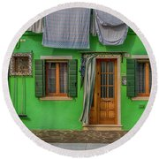 Green House And Hanging Wash_dsc5111_03042017 Round Beach Towel