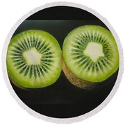 Green Kiwi Oil Painting  Round Beach Towel