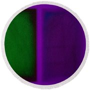 Green On Magenta Round Beach Towel