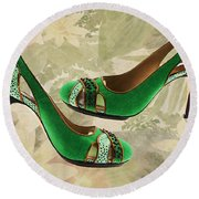 Green With Envy Pumps Round Beach Towel