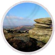 Gritstone Rocks On Hathersage Moor, Derbyshire County Round Beach Towel