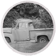 Grounded Pickup Round Beach Towel