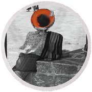 Guatemalan Woman Round Beach Towel