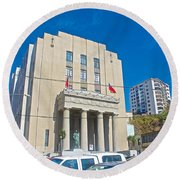 Hall Of Justice In Valparaiso-chile  Round Beach Towel