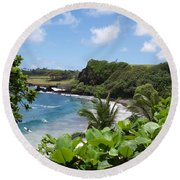 Hamoa Beach Tropical Hana Maui Hawaii Waves And Surfers Round Beach Towel