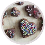 Handmade Decorated Gingerbread Heart And People Figures Round Beach Towel