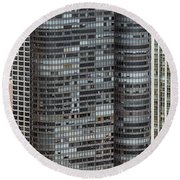 Harbor Point Condominium In Chicago Round Beach Towel
