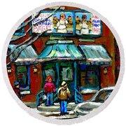 Achetez Les Meilleurs Scenes De Rue Montreal Boulangerie St Viateur Original Montreal Street Scenes  Round Beach Towel