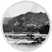 Harper's Ferry From Across The Potomac Round Beach Towel