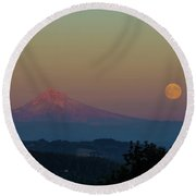 Harvest Moon Rising Over Mount Hood After Sunset Round Beach Towel
